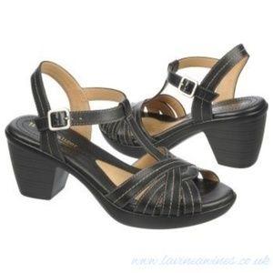 NIB Naturalizer Brunie Black Leather Dress Sandal